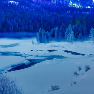 White Yellowstone Blanket