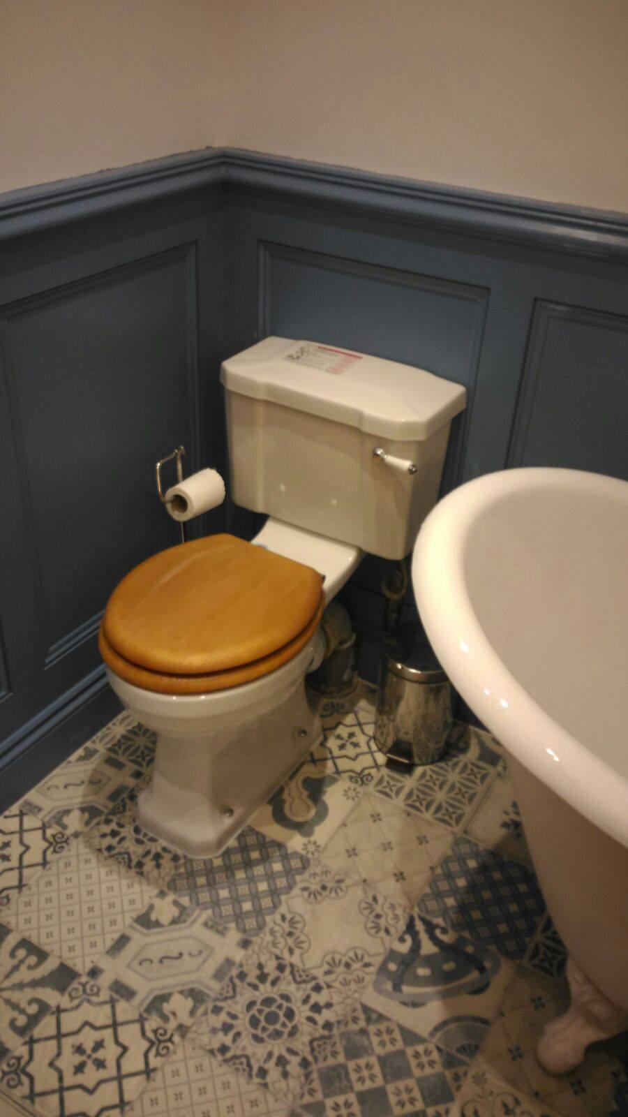 Classic sanitary ware