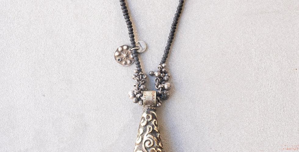 Minakusi Nepal ボクシカダ Necklace
