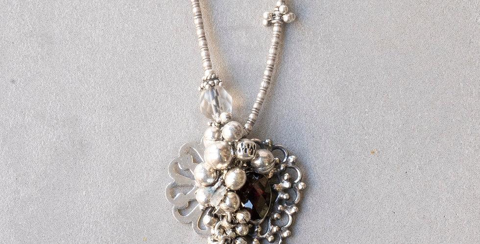 Minakusi  Garnet Necklace