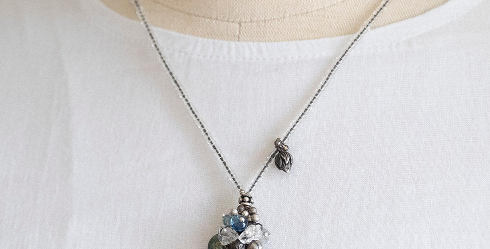 Minakusi 桃の実+蓮蕾 Necklace