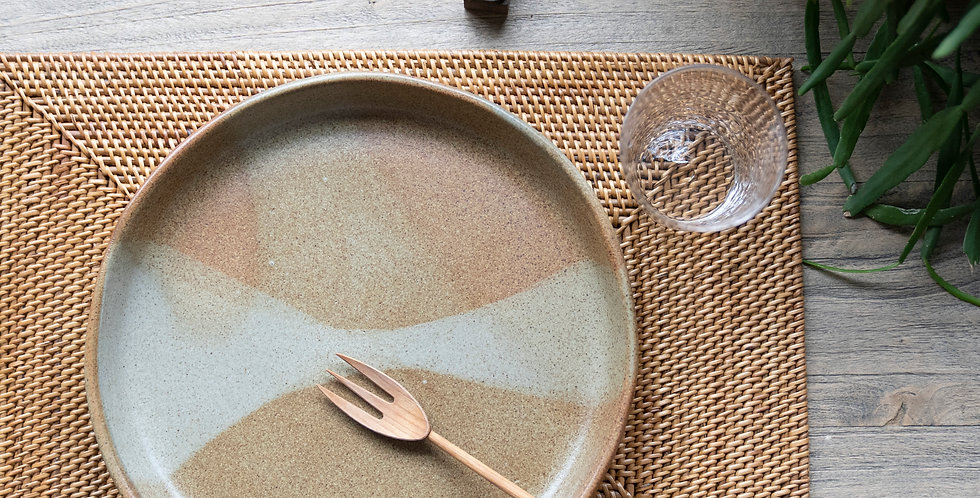 【AYU LARASATI】Large Plate 26cm