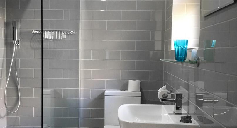 Harebell Room Bathroom