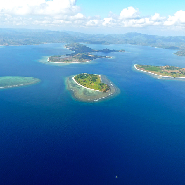 Gili Gede and Islands from the air.jpg