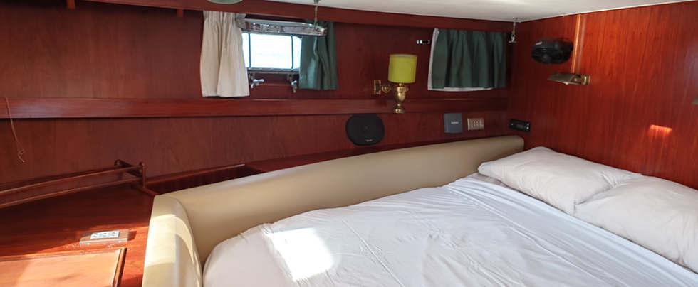 SV Eyore Main Cabin