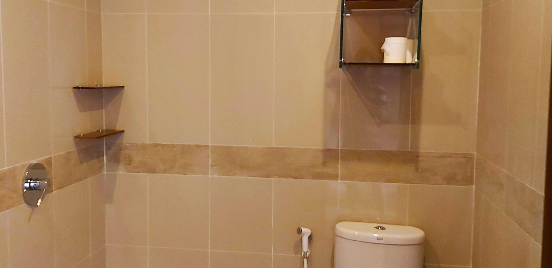 Marina Del Ray shower.jpg