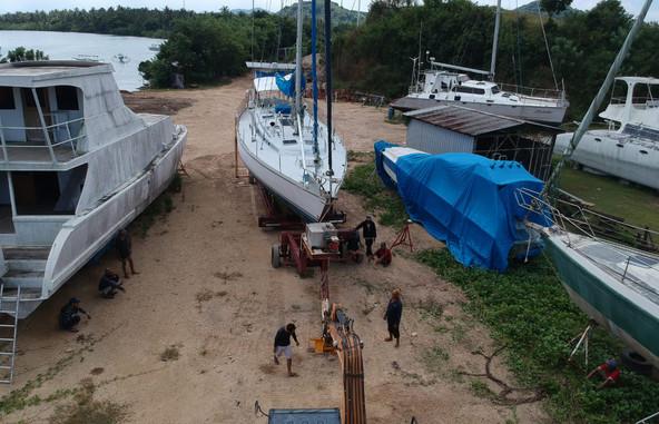 Marina del Ray Lombok Dock yard.jpg