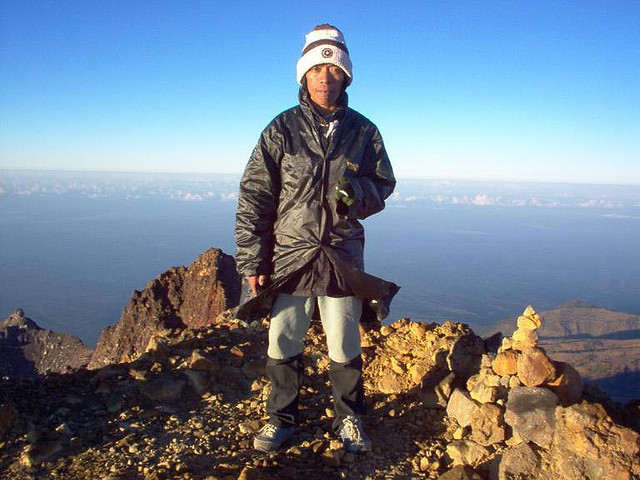 Mt Rinjani, summit 4,000 metres