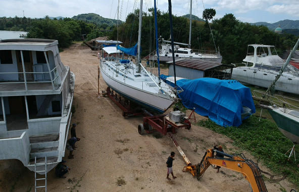 Yacht Haul out Marina Del Ray Indonesia.