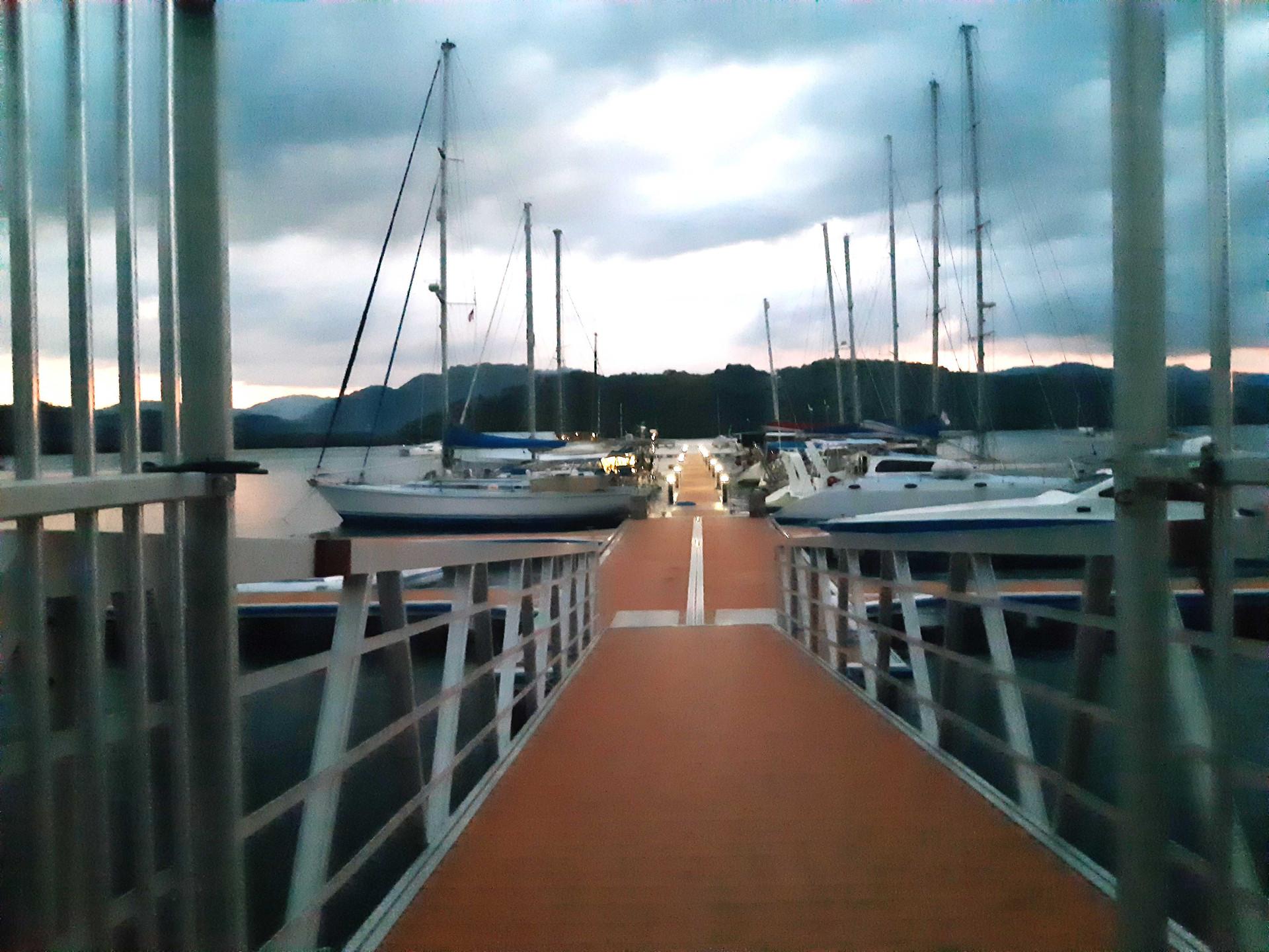 Lombok Marina pontoons Night