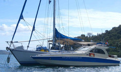 """PRIVATE CHARTER TO THE GILI""""S"""