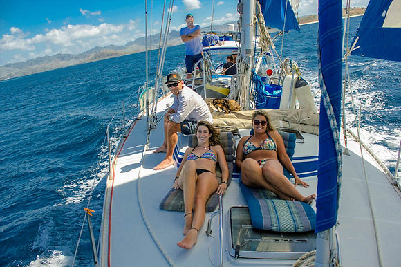 6 guest, 3 Day live aboard all inclusive Holiday