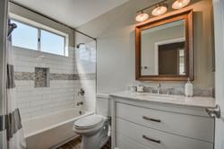 bathroom 2-pic 1