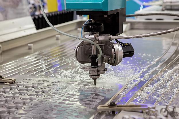 choosing-the-right-waterjet-cutting-mach