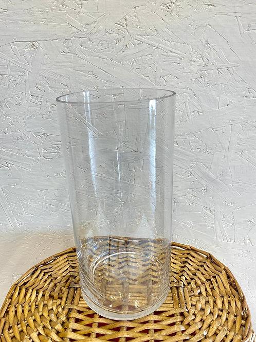 כלי זכוכית צר