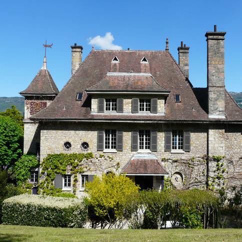 Lake side Manor
