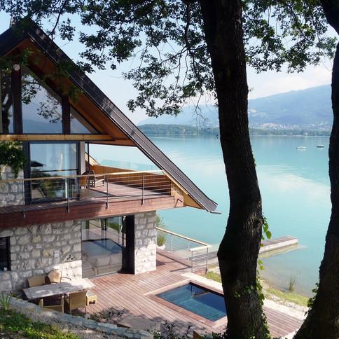 The lake side house