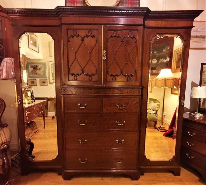 Mahogany Wardrobe & Dresser