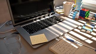 Desk_Stilllife.png