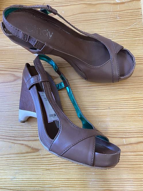 Retro by Cindy open toe heels size 9
