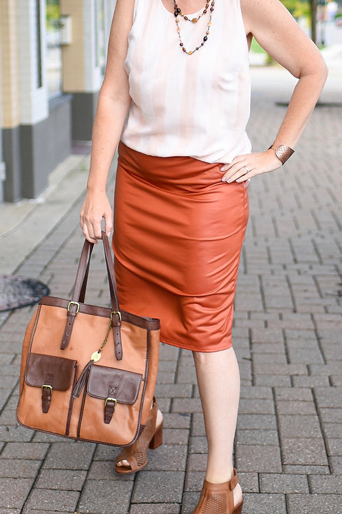 Burnt orange stretchy skirt Sz 18/20