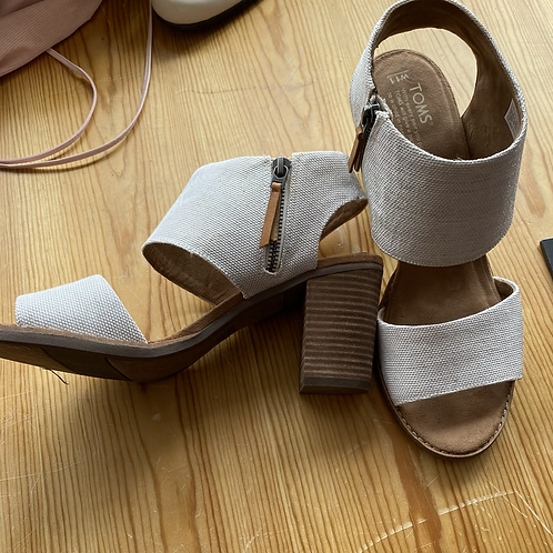 Toms linen heels size 11