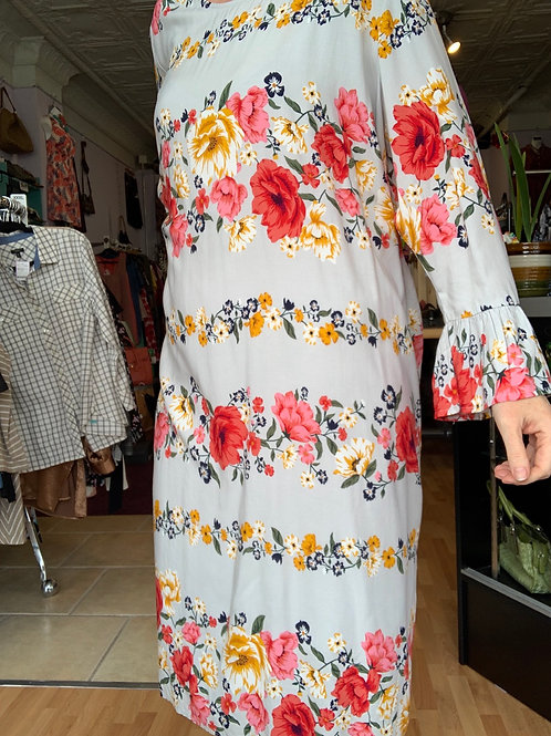 Floral Dress with Bell Sleeves Sz XXL
