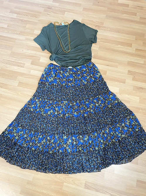 Christopher and Banks floral skirt XL