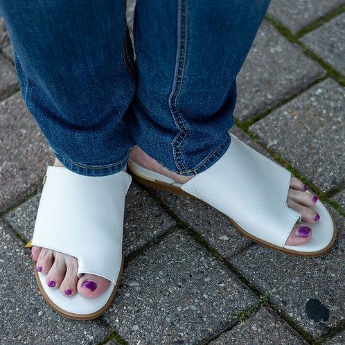 DKNY Sandals sz 9