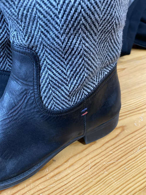 Tommy Hilfiger tall boots size 9m