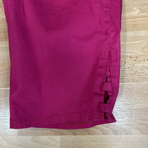 Catherine's essential flat front capris size 18/20