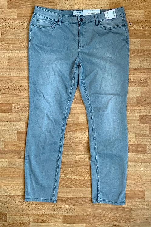 NWT Liz Claiborne Gray skinny Jeans Size 12