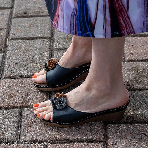 New Good Choice Sydney Wedge Sandals Size 9
