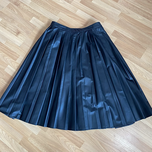 Faux leather pleated skirt size 18