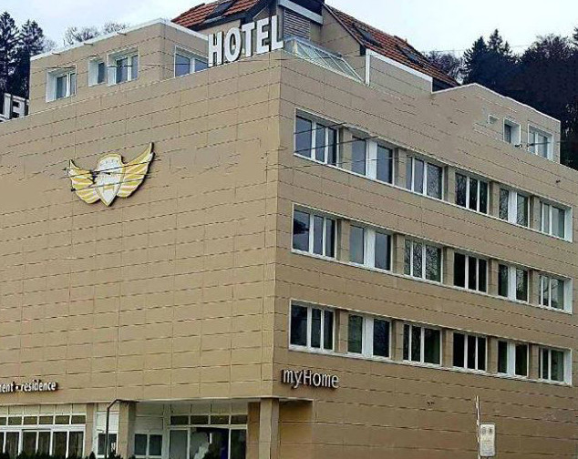 hotelbuilding.jpg