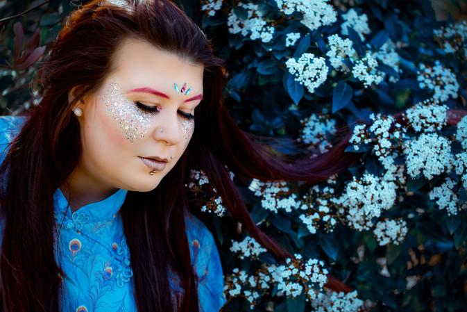 frau-fantasy-makeup-portrait
