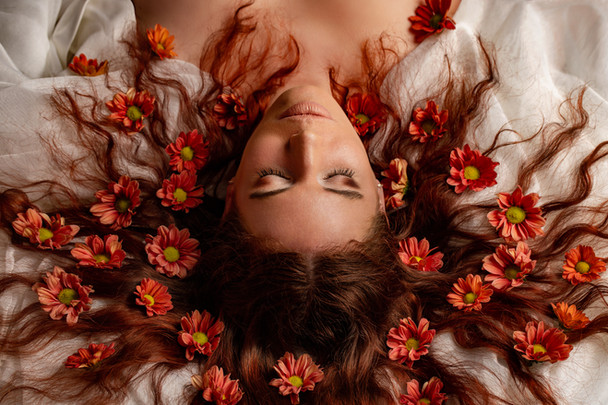 Portrait_Frau_Blumen.jpg