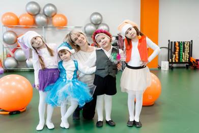 Воспитанники школы Танцев