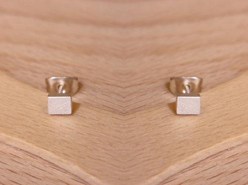 Mini rod ear studs