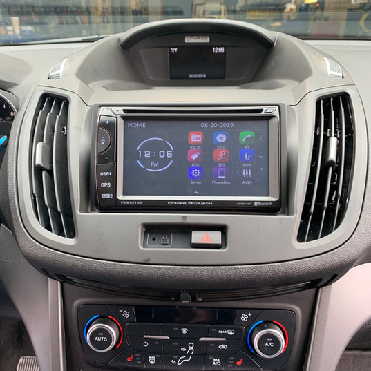 Head Unit in Ford Escape