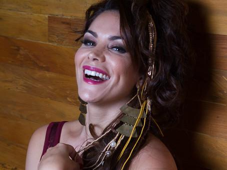 Beatriz Rabello faz show com o pai, Paulinho da Viola, exaltando o Carnaval