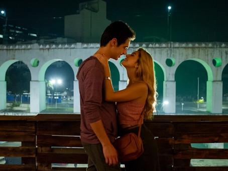 Crítica: 'Ricos de Amor' é divertida comédia romântica da Netflix