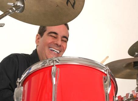 Filho de Janete Clair e Dias Gomes lança CD instrumental