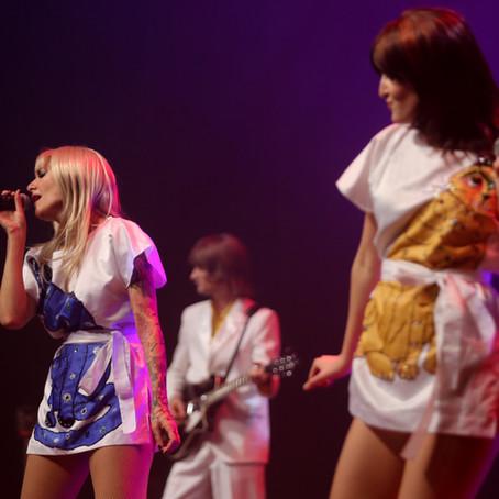 Espetáculo, em São Paulo, comemora 45 anos do grupo ABBA