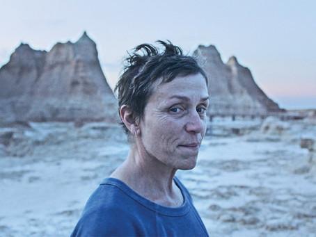 Crítica: 'Nomadland' emociona com jornada crua e real no coração dos EUA