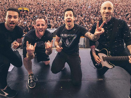 Simple Plan empolga, mas derrapa na setlist em turnê pelo Brasil