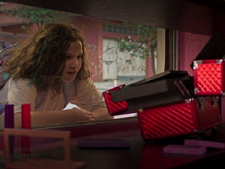 Crítica: 'Helen' é filme potente sobre a relação entre netos e avós
