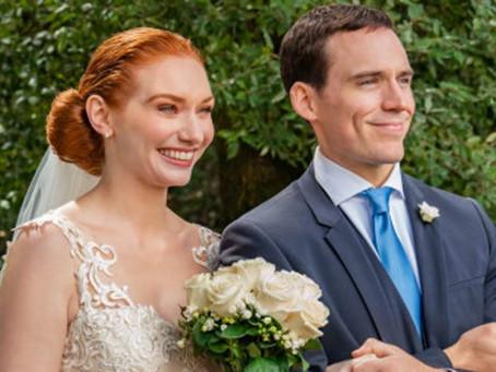 Crítica: 'Um Amor, Mil Casamentos', da Netflix, brinca com possibilidades do amor