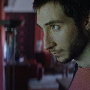 Crítica: 'Os Inventados' é filme com boas ideias, mas execução mediana