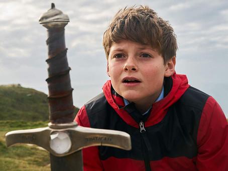 Crítica: 'O Menino que Queria Ser Rei' se perde nos exageros
